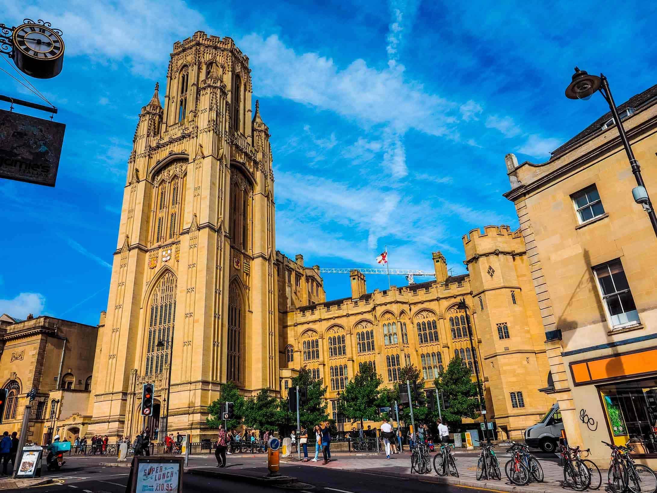 University of Bristol: saiba como usar a nota do Enem para estudar fora