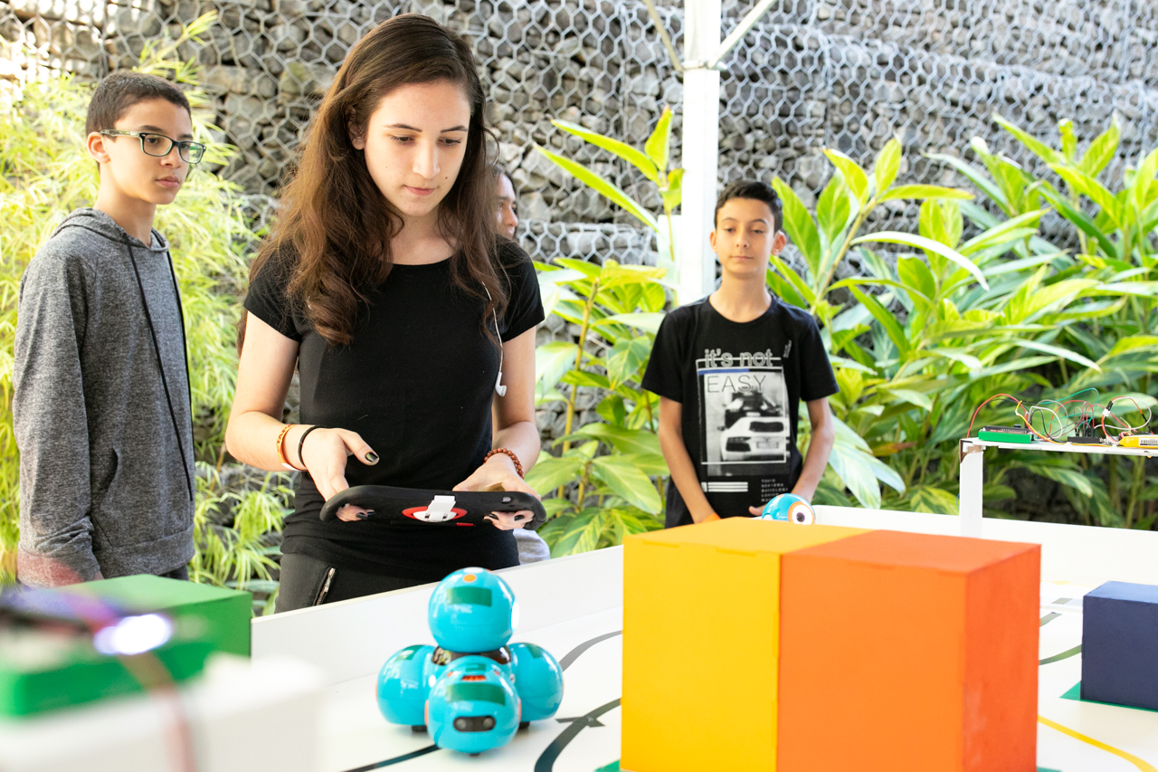 """O Etapa Maker é um espaço para o desenvolvimento de projetos baseados na cultura do """"Faça Você Mesmo""""."""