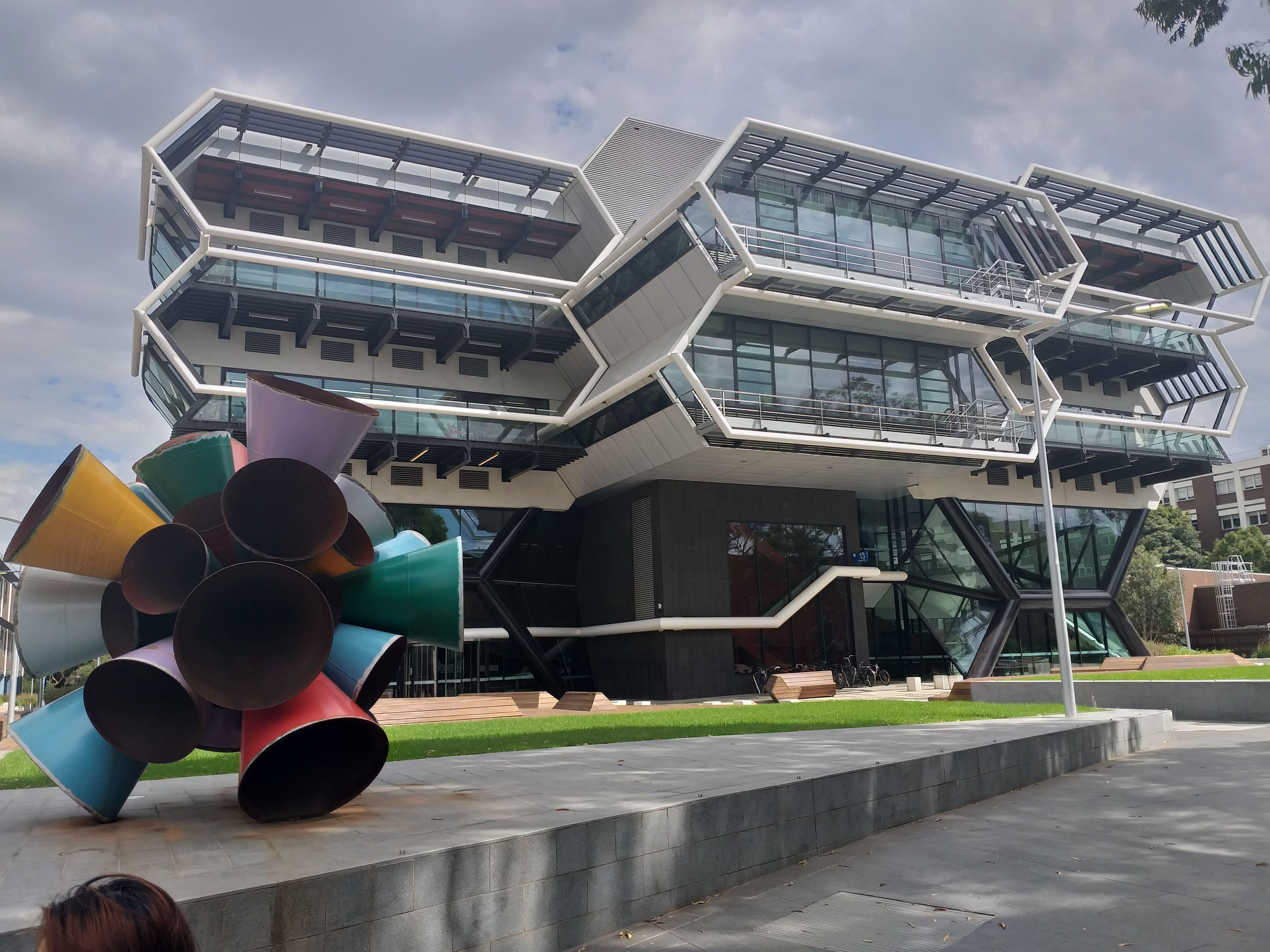 Monash possui universidades na Austrália e no continente asiático.