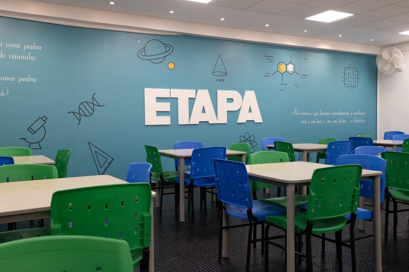 Os alunos que retornaram às aulas presenciais do Etapa encontraram uma nova unidade do Colégio e atualizações na infraestrutura das demais instalações.