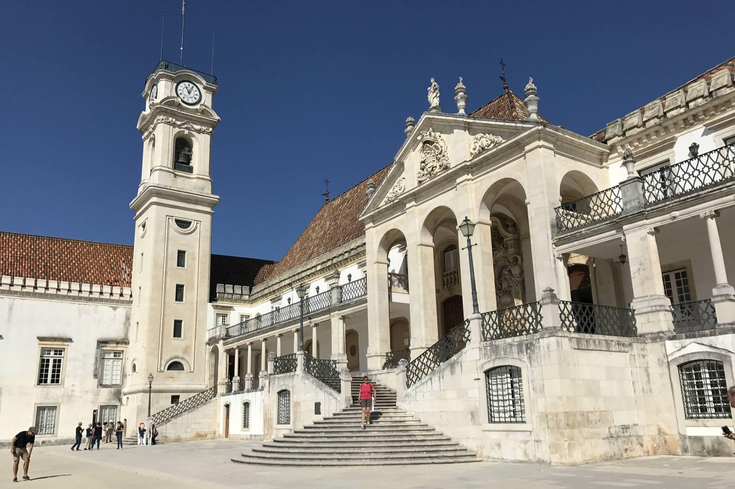 Subiu para quatro o número de parcerias com universidades internacionais renomadas firmadas com o Colégio Etapa.
