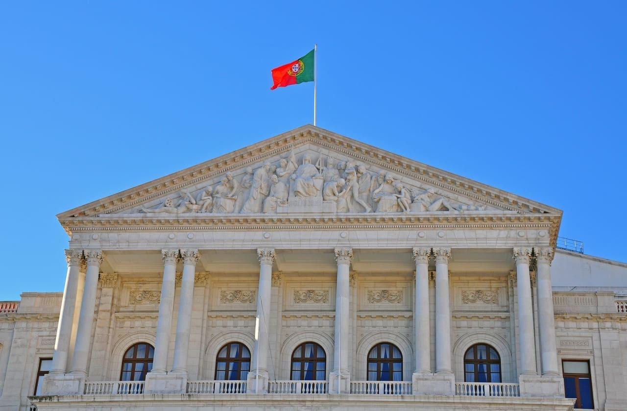 Os brasileiros que pretendem estudar em Portugal devem considerar quatro motivos.