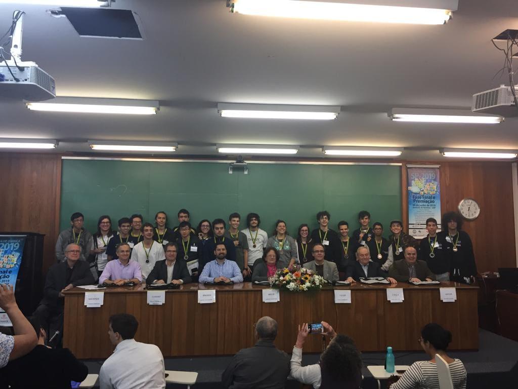 Colégio Etapa conquista 14 medalhas na Olimpíada de Química de São Paulo (OQSP)