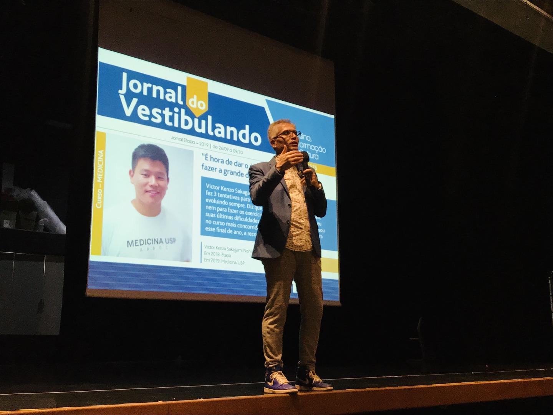 Etapa realiza palestra sobre o desafio de prestar vestibular