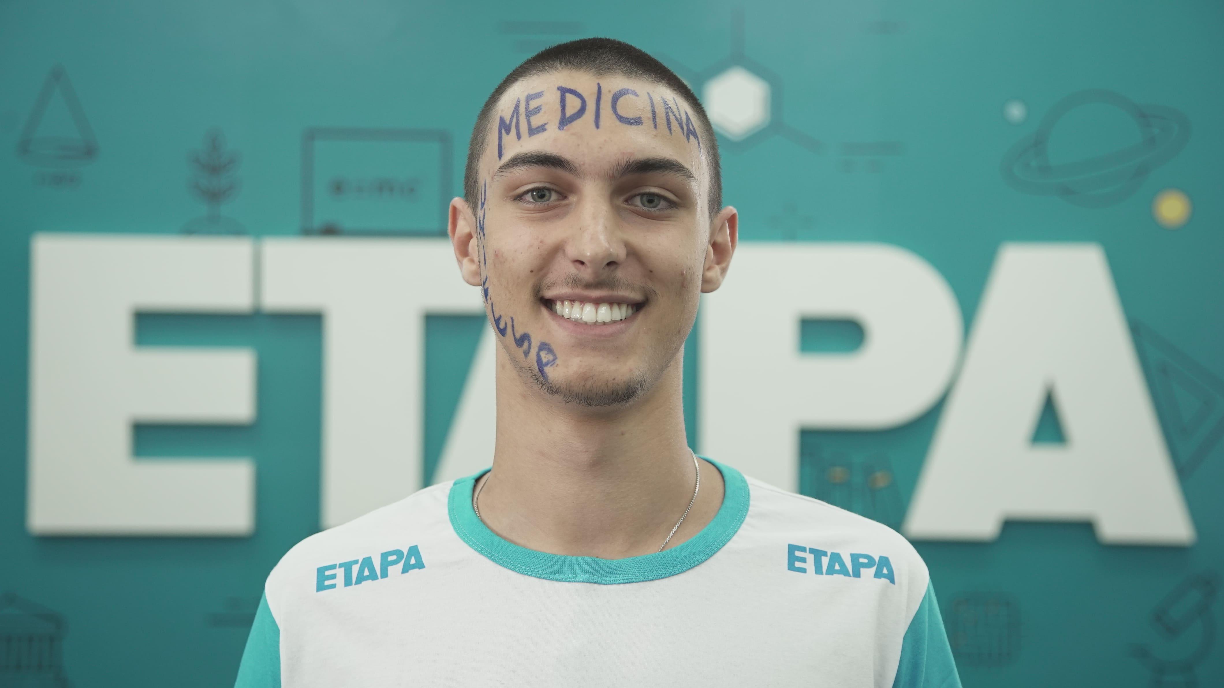 Alexandre Bortot afirma que o apoio dos pais e dos amigos, além do suporte do Etapa, foram fundamentais para as suas aprovações.