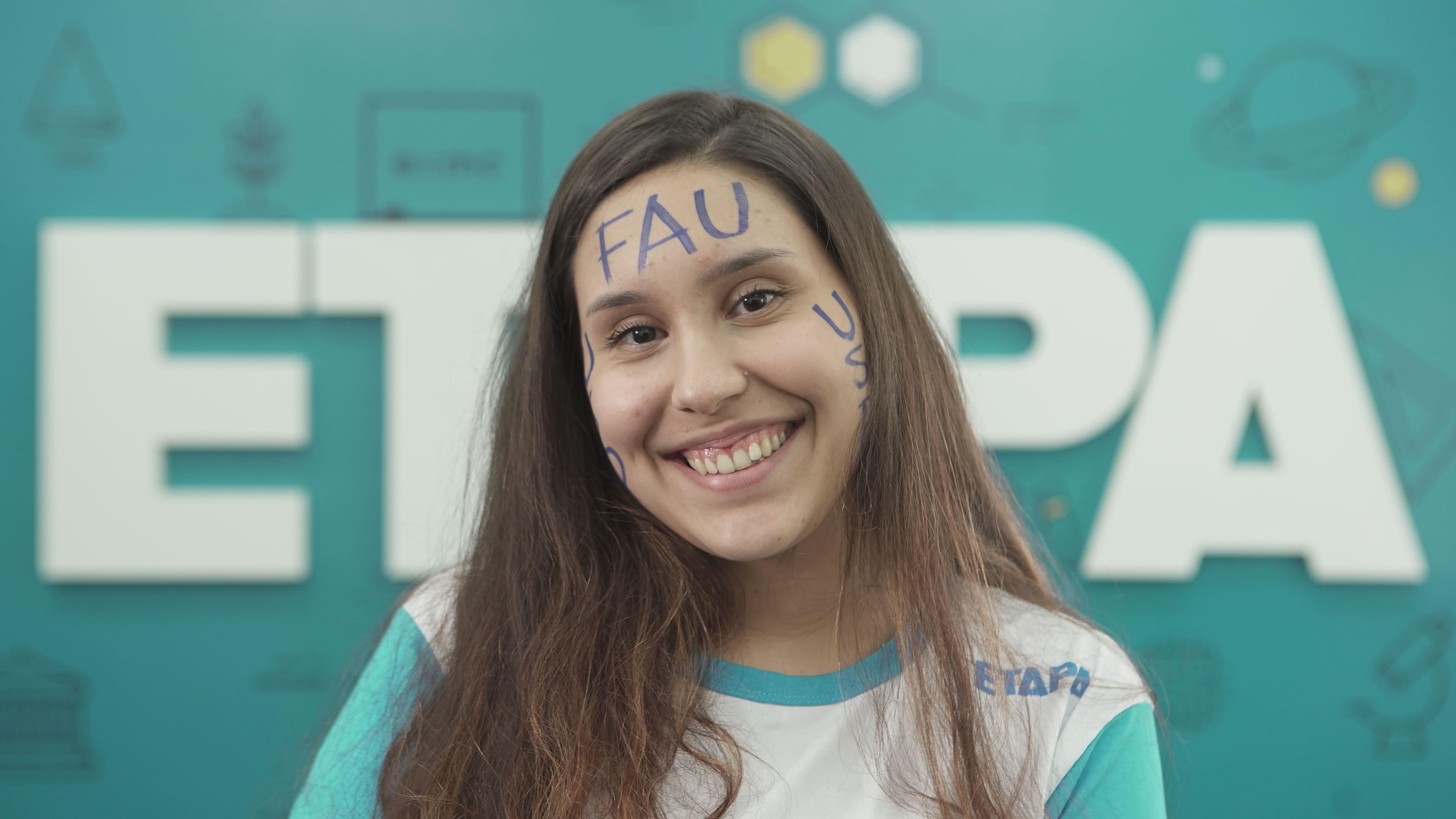 Rafaela Bessi Martinez afirma que os reforços e os resumos foram ferramentas essenciais para a sua aprovação.